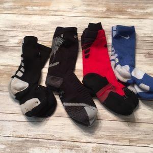 DY32 Nike hyper elite socks